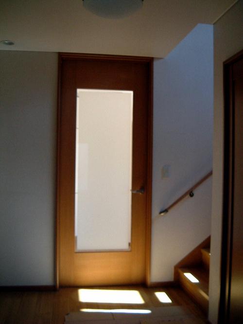 リビングへの扉